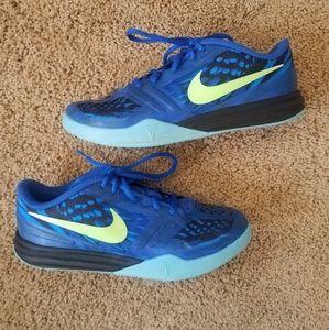 NIKE Kobe Mentality Athletic Shoes